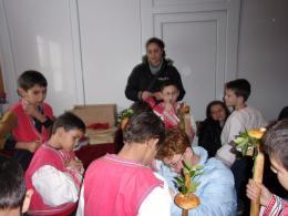 Червеният пояс е много важна част от мъжката носия - ОУ Св. Св. Кирил и Методий - Ряхово